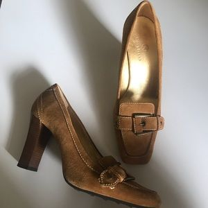 Cole Haan brown suede shoe high heel size 8 1/2